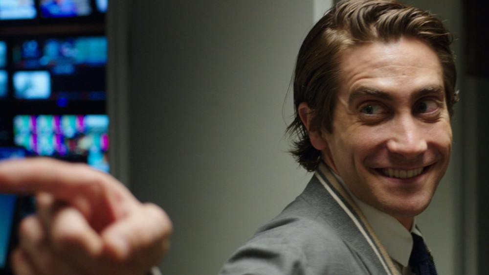 jake gyllenhaal nightcrawler pointing